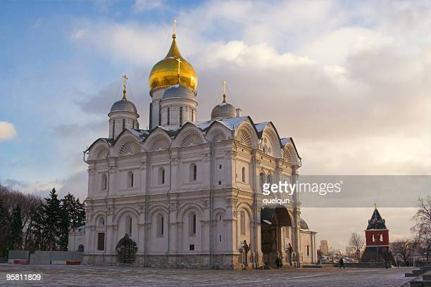 the archangel's cathedral in moscow kremlin - earth angel stock pictures, royalty-free photos & images