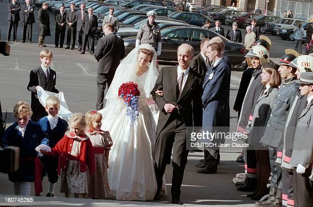 The Archiduc Georg Of Habsburg Marries The Duchess Eilika Of Oldenburg In Budapest A Budapest en Hongrie le 18 octobre 1997 Lors du mariage de...
