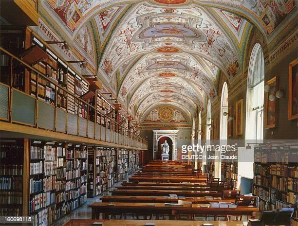 The Archives Of The Vatican Library Les trésors de la Bibliothèque apostolique du VATICAN vue intérieure de la salle Léonine réservée à la...