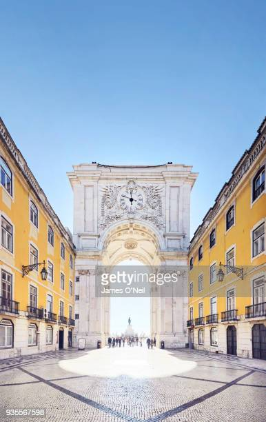 the arco da rua augusta, lisbon, portugal - lisbon stock pictures, royalty-free photos & images