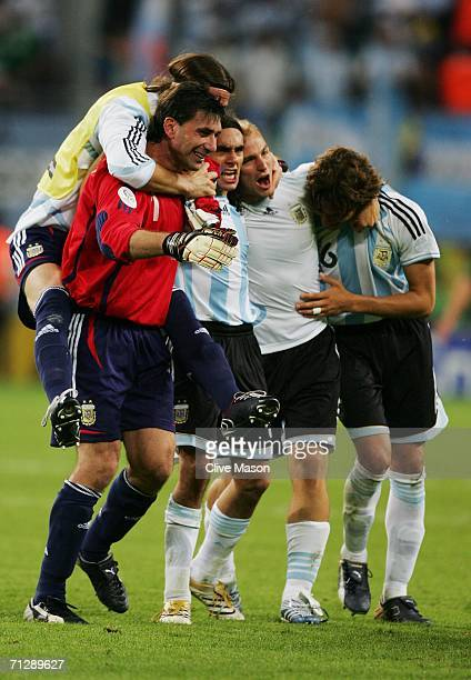The Argentina players celebrate following their victory at the end of the FIFA World Cup Germany 2006 Round of 16 match between Argentina and Mexico...