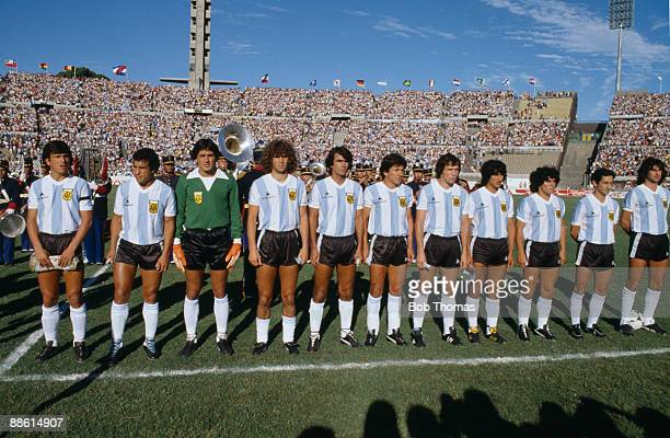 The Argentina team line up before the Argentina v Brazil Copa De Oro match played in Montevideo Uruguay during January 1981 Group left to right...