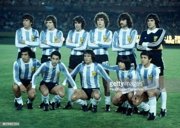The Argentina team prior to the FIFA World Cup match between Argentina and Italy at the Estadio Monumental in Buenos Aires 10th June 1978 Back row...