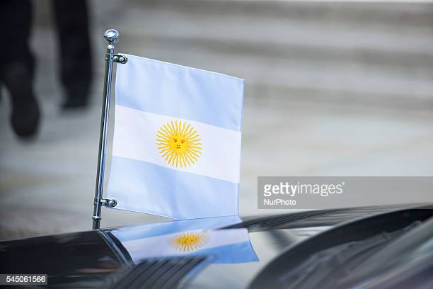 The Argentinian flag of the presidential car is pictured during a meeting between German President Joachim Gauck and Argentinian President Mauricio...