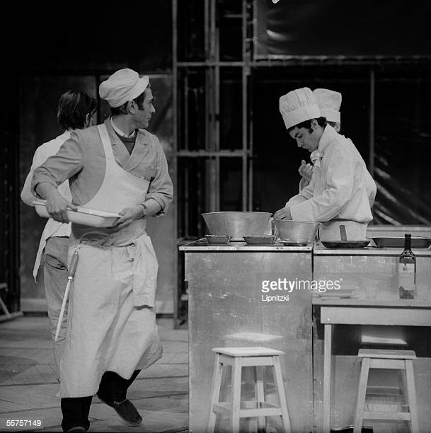 ' The Arnold Wesker's kitchen ' by the troop of the theater of the Sun Staged of Ariane Mnouchkine Paris Montmartre's circus in March 1967...