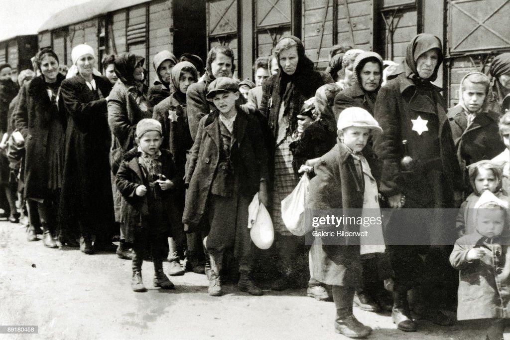 Hungarian Jews : News Photo
