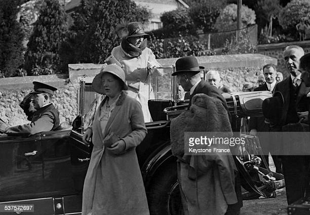 The arrival of Queen Wilhelmina and Princess Juliana in their villa in Chevreuse Valley circa 1930 in France