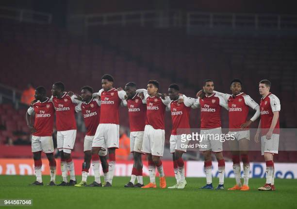 The Arsenal players prepare for the penalty shoot out during the match between Arsenal U23 and Villarreal U23 at Emirates Stadium on April 10 2018 in...