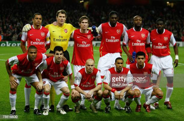 The Arsenal team pose for the cameras prior to kickoff during the UEFA Champions League round of sixteen second leg match between Arsenal and PSV...