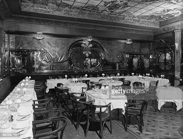 The Art Nouveau dining room of Maxim's on the Rue Royale in Paris, France, 7th March 1978. The restaurant was dropped from the Michelin guide that...