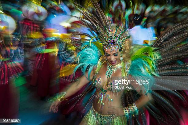 the art of the brazilian samba - parade stock pictures, royalty-free photos & images