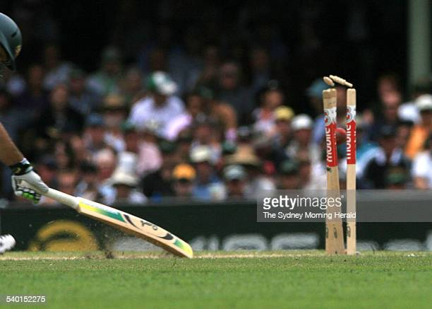 The Ashes 2006-2007. Australian cricket captain Ricky Ponting strives for the line to no avail, run out on 45 runs by England's James Anderson during...