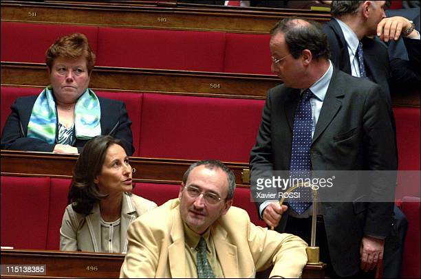 The Assembly examines the private bill UMP replacing the CPE in Paris France on April 12 2006 Segolene Royale et Francois Hollande