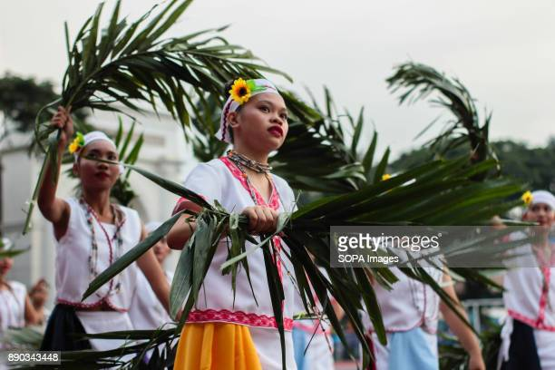 PHILIPPINES MARIKINA NCR PHILIPPINES The Association of Woman Citizen of Manila actively swished palm leaves to welcome the spectator of the Rehiyon...
