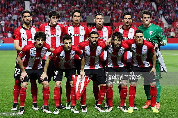 The Athletic Club Bilbao team pose during the UEFA Europa League quarter final second leg match between Sevilla and Athletic Bilbao at the Ramon...