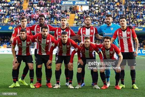 The Athletic Club team line up for a photo prior to kick off during the La Liga match between Villarreal CF and Athletic Club at Estadio de la...