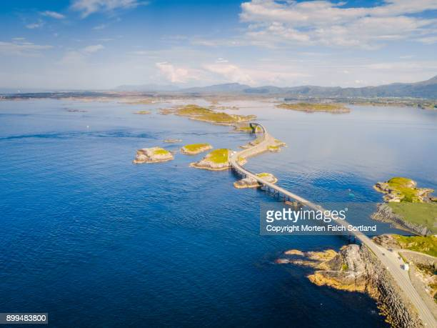 the atlantic ocean road, norway - atlantik stock-fotos und bilder