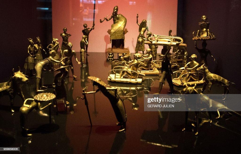 FRANCE-BENIN-ART-CULTURE-HISTORY-DIPLOMACY : News Photo
