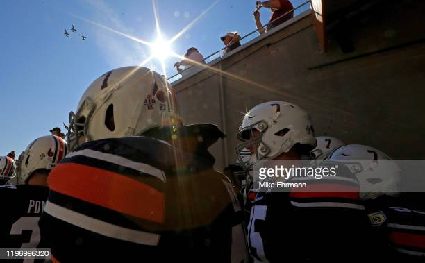 The Auburn Tigers take the field during the 2020 Outback Bowl against the Minnesota Golden Gophers at Raymond James Stadium on January 01, 2020 in...