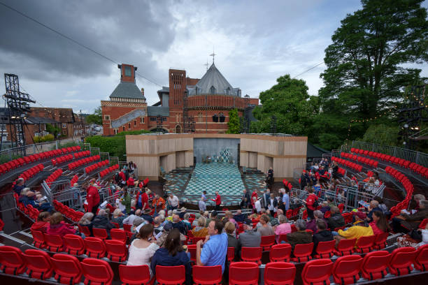 GBR: Theatergoers Arrive At Outdoors Production Of Comedy Of Errors