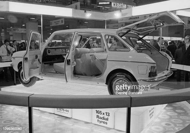 The Austin Maxi 1750 HL with Dunlop radial tyres at the British International Motor Show in Earl's Court, London, UK, October 1972.