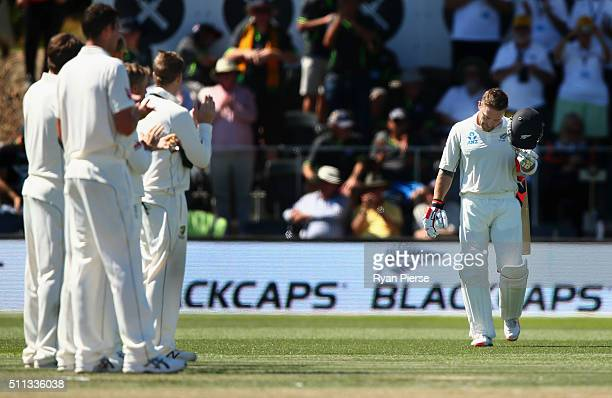 The Australian for a guard of honor as Brendon McCullum of New Zealand walks out to bat in his final test match during day one of the Test match...