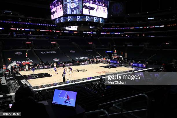 The Australian Open Women's Singles Semifinals match between Naomi Osaka and Serena Williams is streamed during the game between the LA Clippers and...
