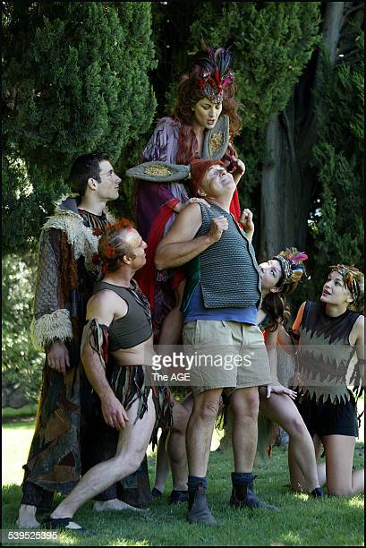 The Australian Shakespeare Company rehearses for A Midsummer Nights Dream at the Botanic Gardens Taken 15 December 2004 THE AGE EXPRESS Picture by...