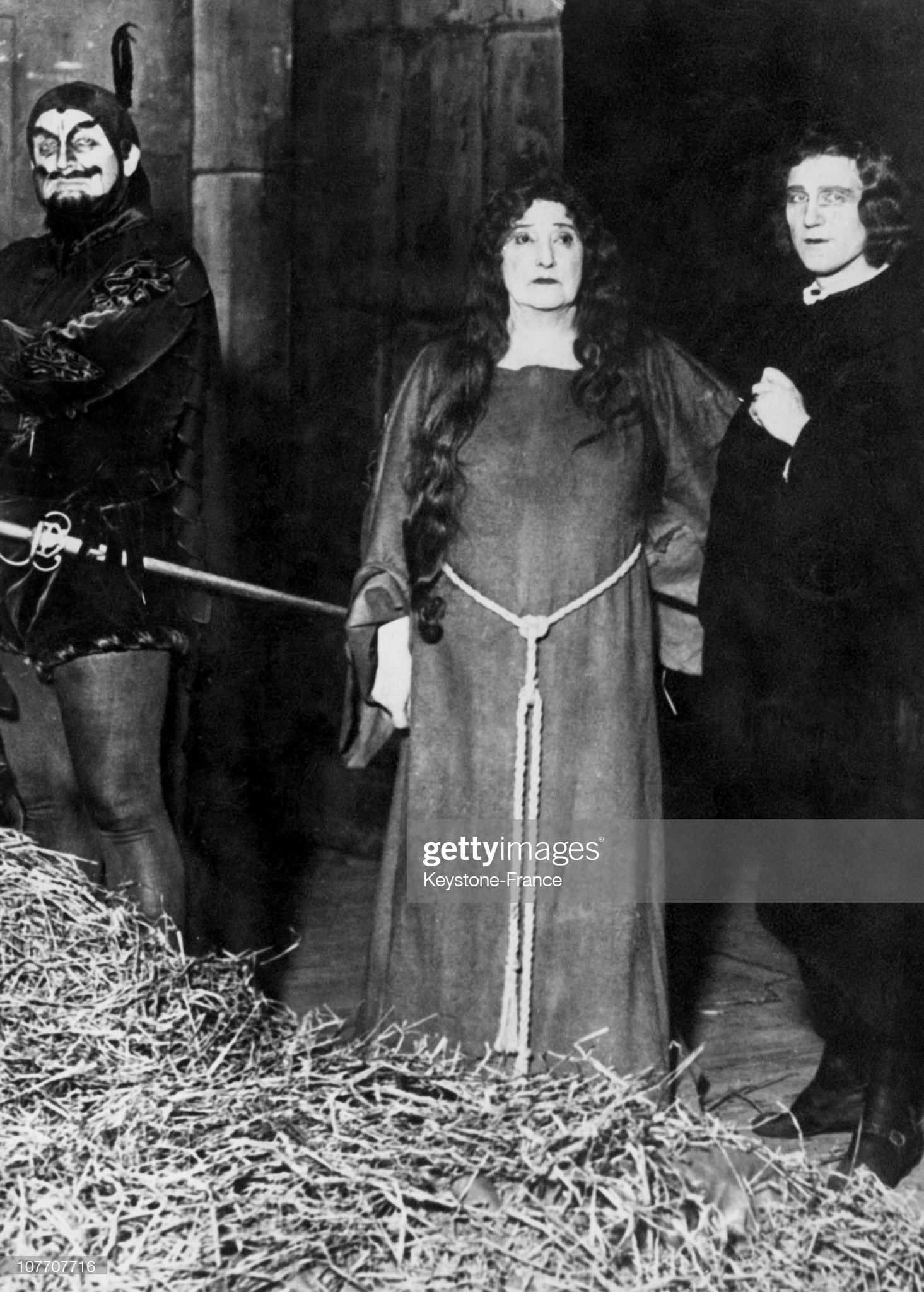 Nellie Melba In The Role Of Marguerite In Faust In 1920 : ニュース写真