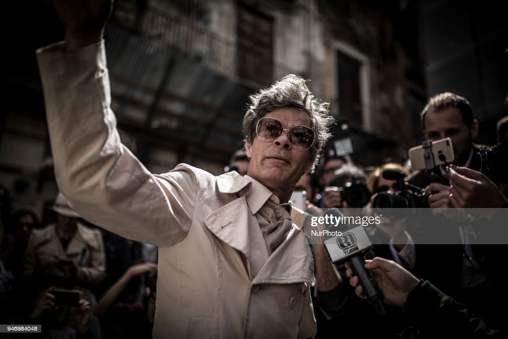 Uwe Jäentsch's protest in Palermo, Sicily : Nachrichtenfoto