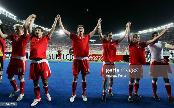 The Austrian team acknowledge the fans after the UEFA EURO 2008 Group B match between Austria and Poland at Ernst Happel Stadion on June 12, 2008 in...