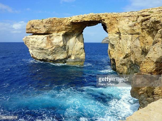 the azure window, on gozo island - dwejra stock-fotos und bilder