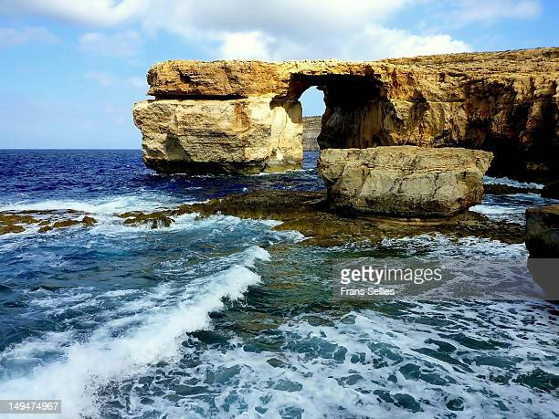 the azure window on gozo - frans sellies stock pictures, royalty-free photos & images