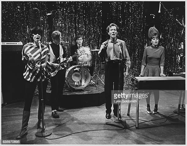 The B-52's Performing