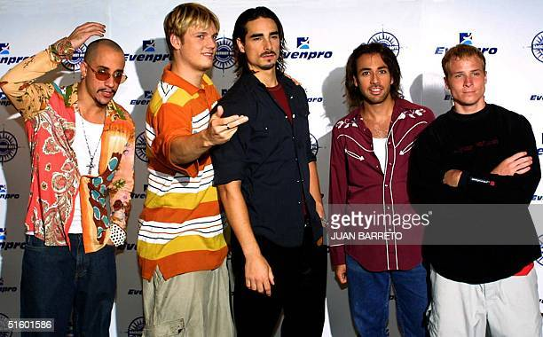The Backstreet Boys pose during press conference 10 May 2001 in Caracas Venezuela part of their tour of Latin America From left are Alexander James...