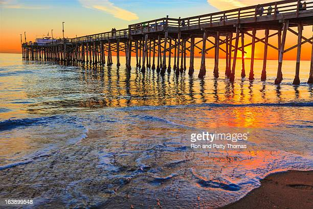 the balboa pier in orange county, california - newport beach stock pictures, royalty-free photos & images
