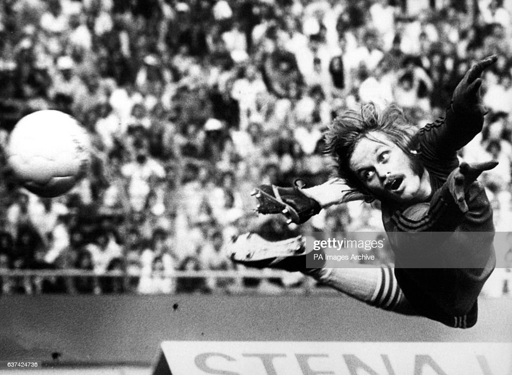 Soccer - World Cup West Germany 74 - Group Three - Sweden v Bulgaria : News Photo