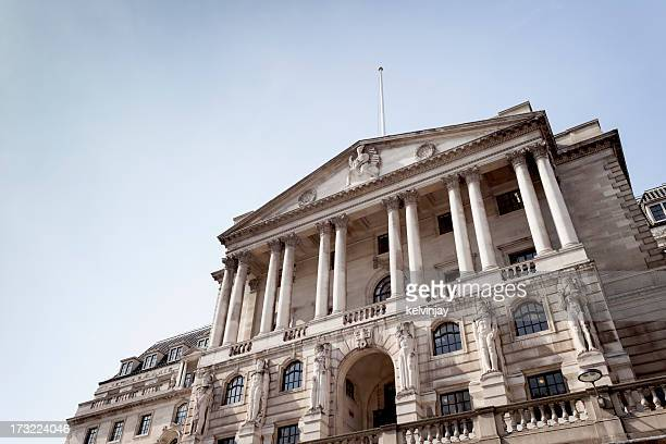 the bank of england in london - central bank stock pictures, royalty-free photos & images