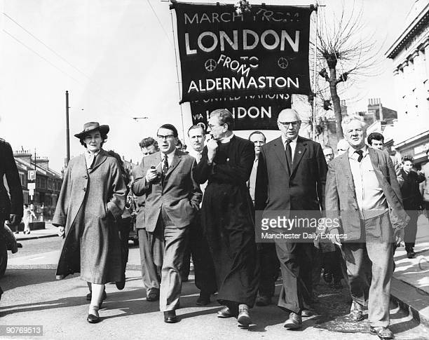 �The BantheBomb Aldermaston march set out this morning from Chiswick on its way to Hyde Park� The original LondonAldermaston banner has been adapted...