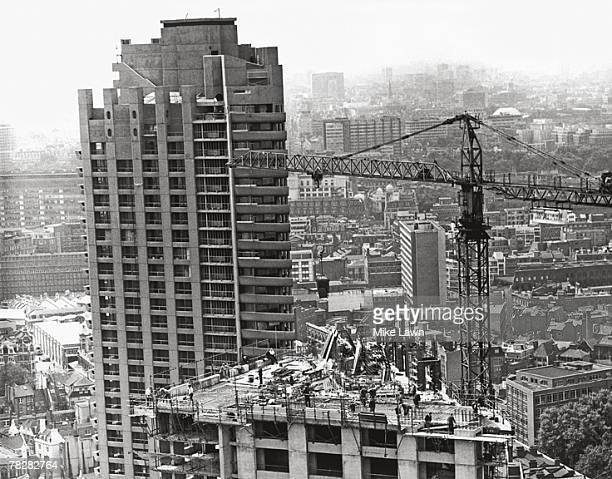 The Barbican residential towers under construction 27th July 1972 Shakespeare Tower is still halfbuilt with Lauderdale Tower behind it The image was...
