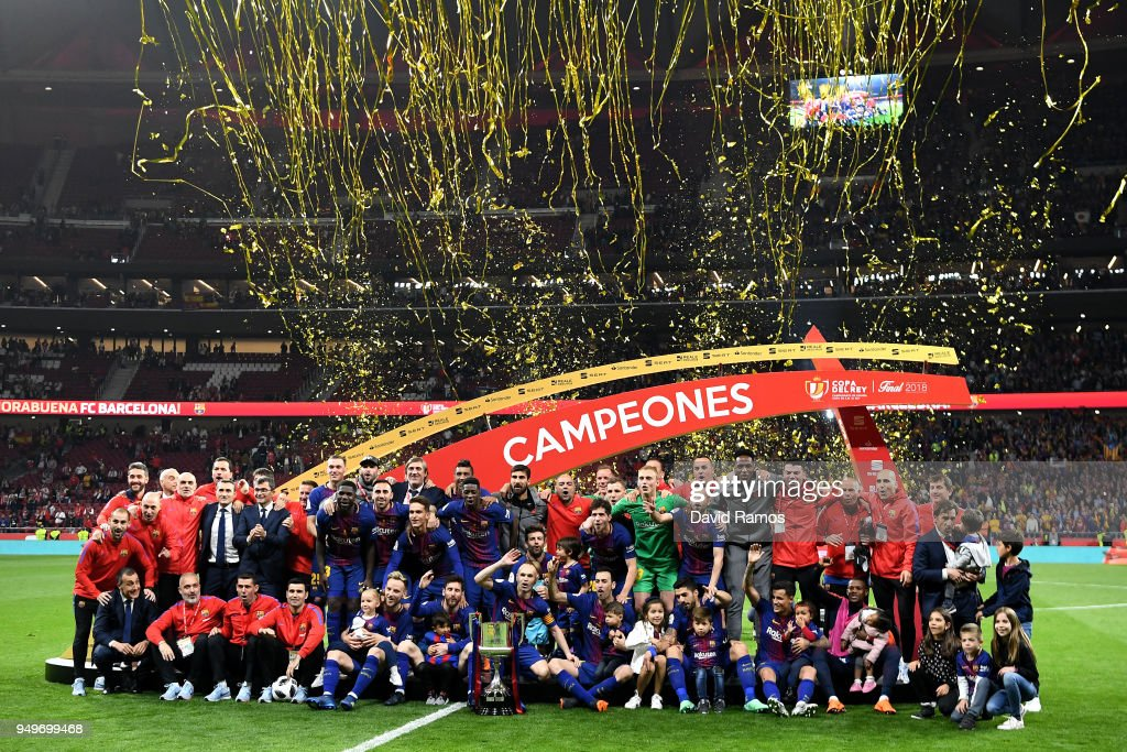 The Barcelona team celebrate winning the cup during the Spanish Copa del Rey match between Barcelona and Sevilla at Wanda Metropolitano on April 21, 2018 in Barcelona, .