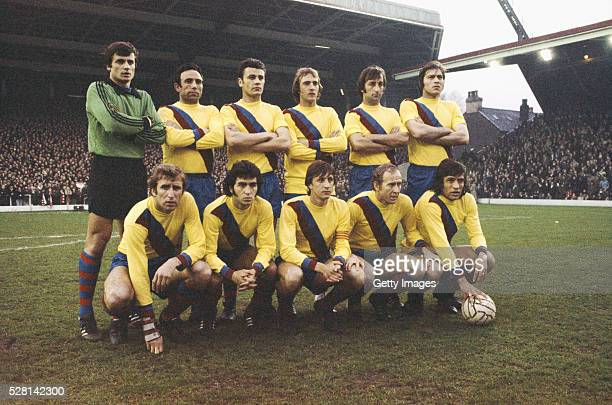The Barcelona team pictured before the UEFA Cup semifinal 2nd leg against Liverpool at Anfield on April 14 1976 in Liverpool England Johan Cruyff...
