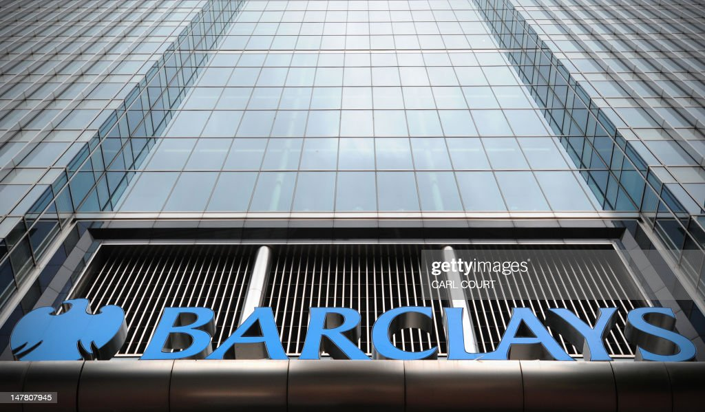 The Barclays bank headquarters is pictur : News Photo