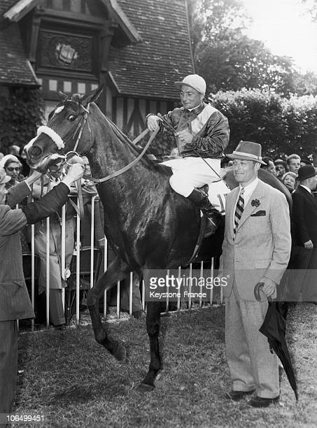 The Baron Guy De Rothschild Leading His Horse Flute Enchantee To The Paddock After Having Won The Deauville Grand Prix On August 31 1953
