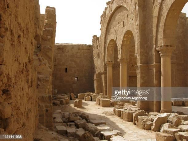the basilica of saint sergius, sergiopolis (resafa), syria - argenberg stock-fotos und bilder