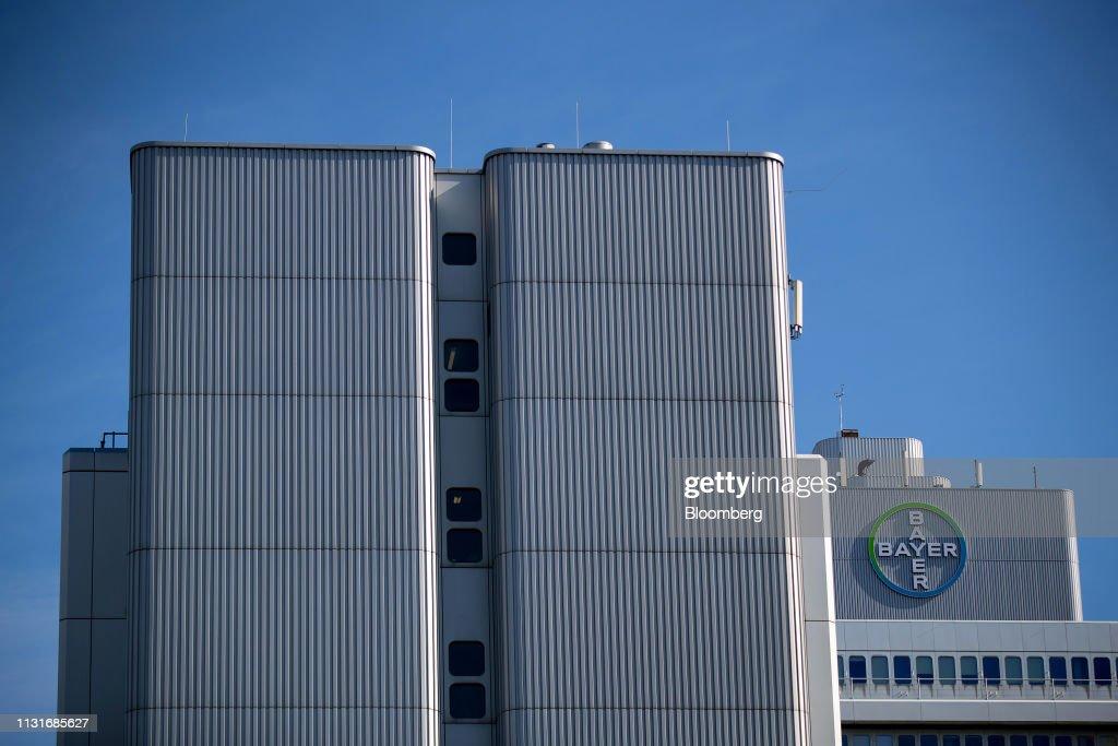 DEU: Bayer AG Pharma Plant Ahead of Earnings