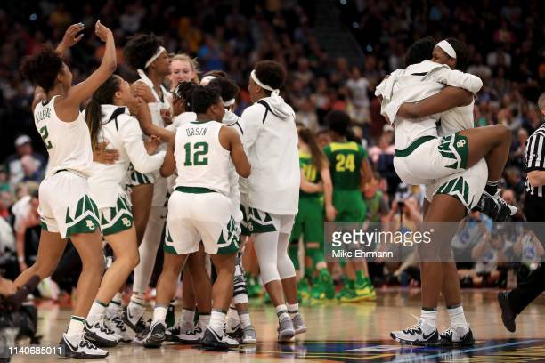 The Baylor Lady Bears celebrate their 7267 win over the Oregon Ducks in the semifinals of the 2019 NCAA Women's Final Four at Amalie Arena on April...