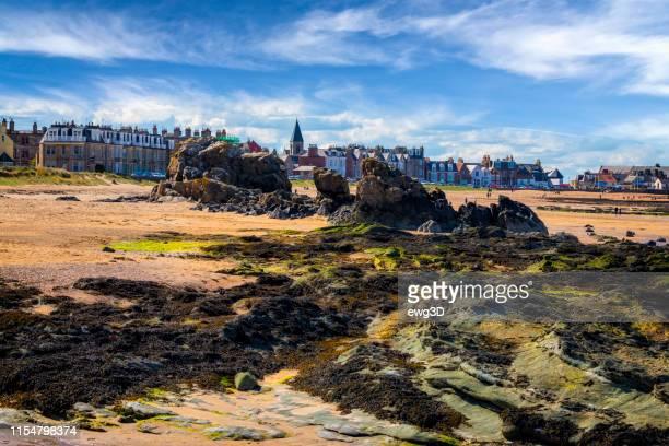 ノース・ベリックの干潮時のビーチ、イーストロージアン、スコットランド、英国 - ロージアン ストックフォトと画像