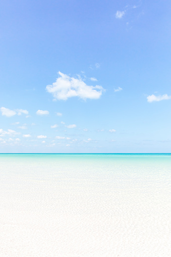 The beach, crystal clear turquoise water and clear blue sky - gettyimageskorea