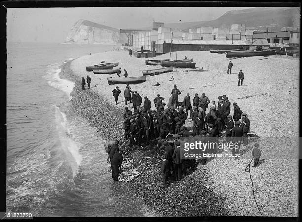 The beach, Dover, United Kingdom, between 1900 and 1919.